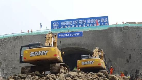 这是5月3日拍摄的中国中铁雅万高铁项目瓦利尼隧道施工现场。 新华社记者 梁辉 摄