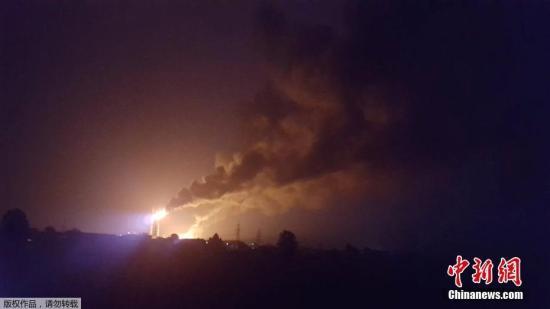 德国一炼油厂爆炸致10人受伤 近2000人被疏散