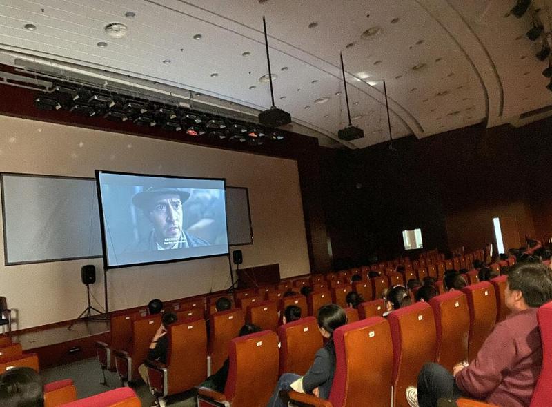 喜迎记者节 传承红色基因 大众报人观看影片《红星照耀中国》