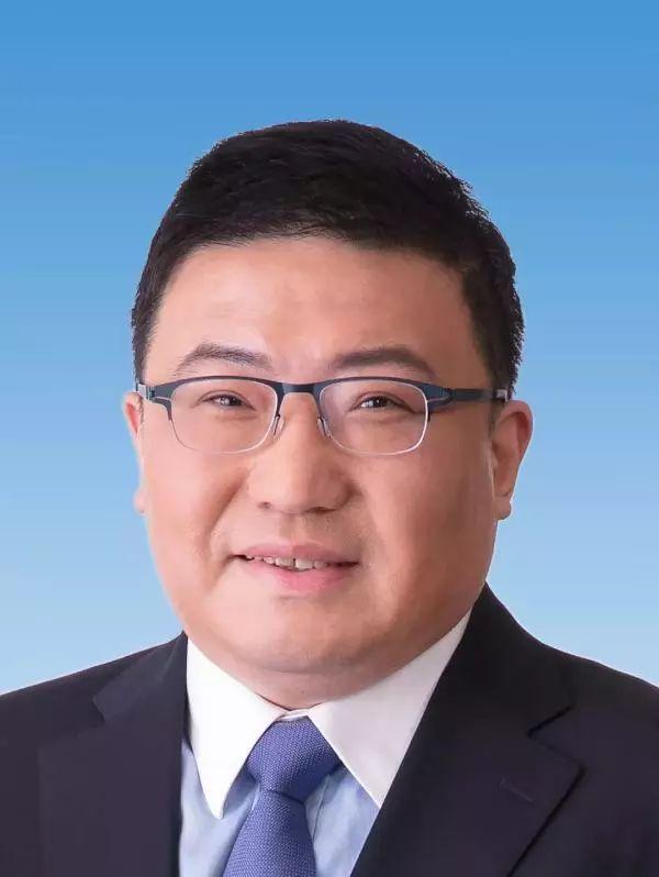 山西省政府领导班子有调整,吴伟成最年轻副省长