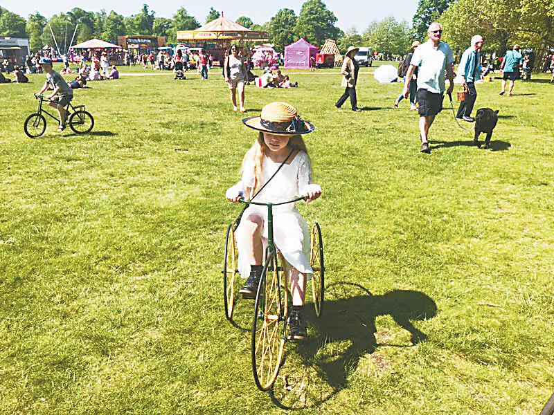 英國人愛收藏古董自行車 動輒需要三四百英鎊古董收藏