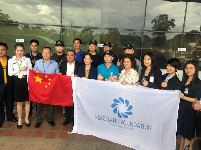 中国救援队抵达泰国参与13人溶洞失踪事件搜救工作