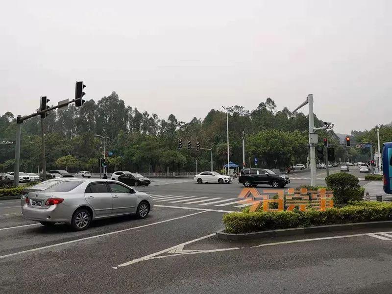 热点追踪   东莞三校实施接送新规,你的孩子上了接送车后都怎样了……