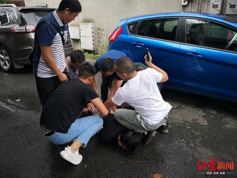 西昌警方1个多月抓获56名逃犯 最高单日抓获12人