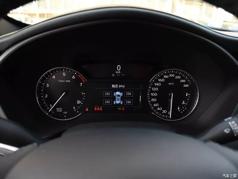 9AT,350N·m!这台SUV还标配全景天窗和LED大灯!