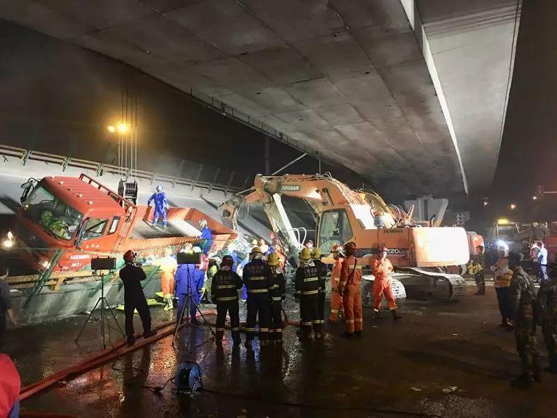 无锡高架桥倒塌已致3人死亡 视频记录惊魂一刻