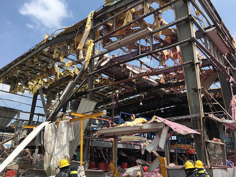 组图|广西玉林一化工厂发生爆炸 已造成4死7伤