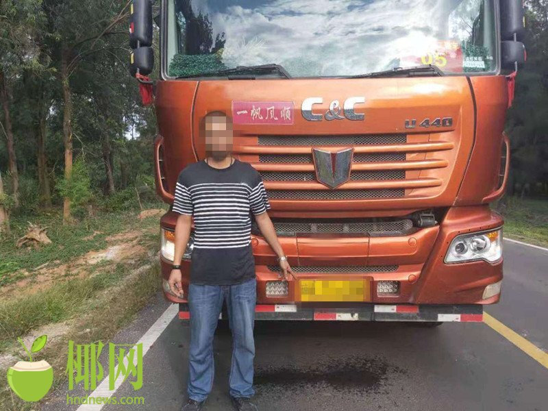 东方交警大力整治大货车超限超载违法行为一天共查处超载车辆5辆