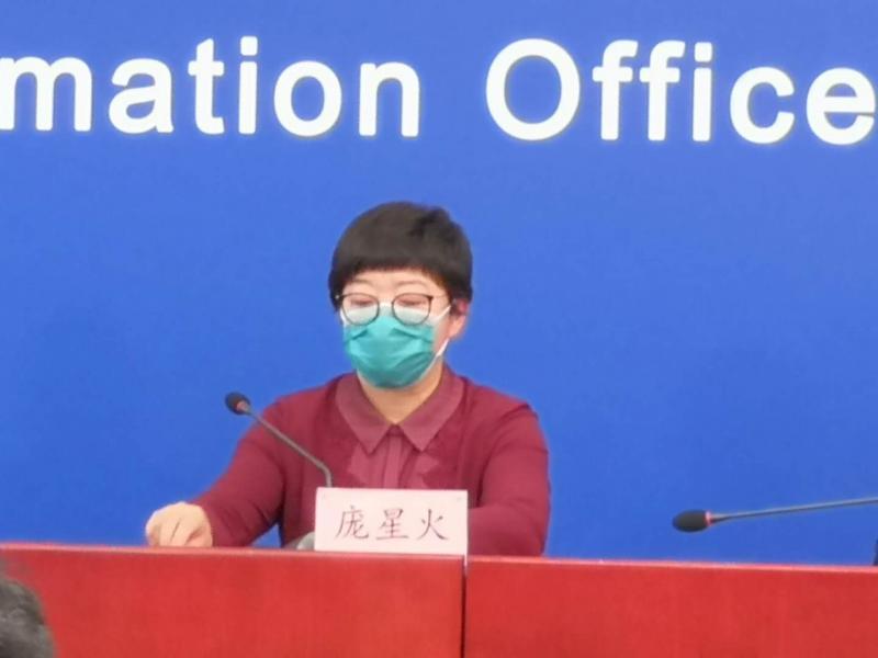 北京商圈步行街等有扎堆不戴口罩现象 市疾控发出警告图片