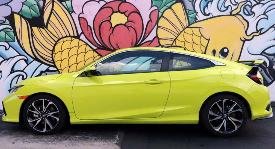 年轻人喜欢什么颜色的车?白色最流行但个性色越来越多|聚侃