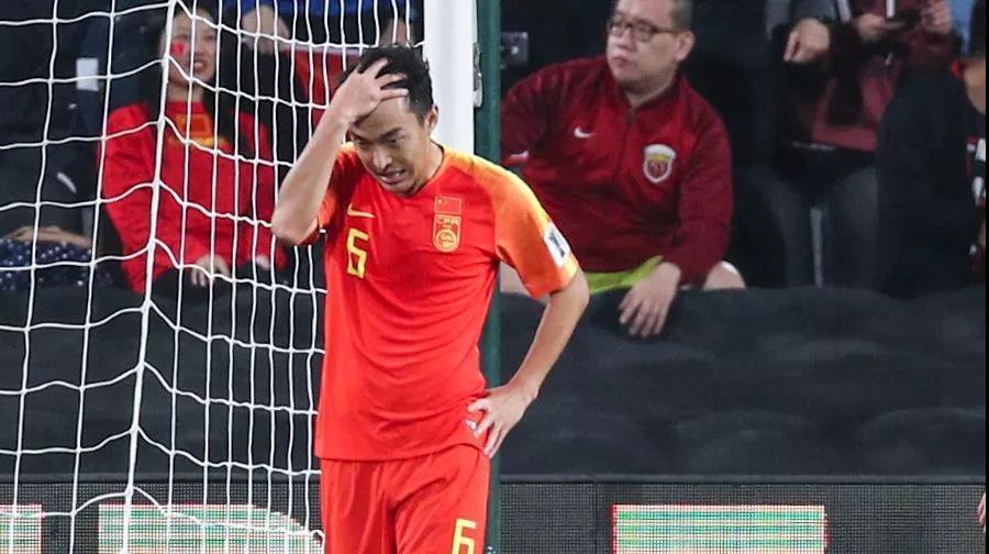 """卡塔尔""""封王""""亚洲杯:比起汗颜国足更该卧薪尝胆"""