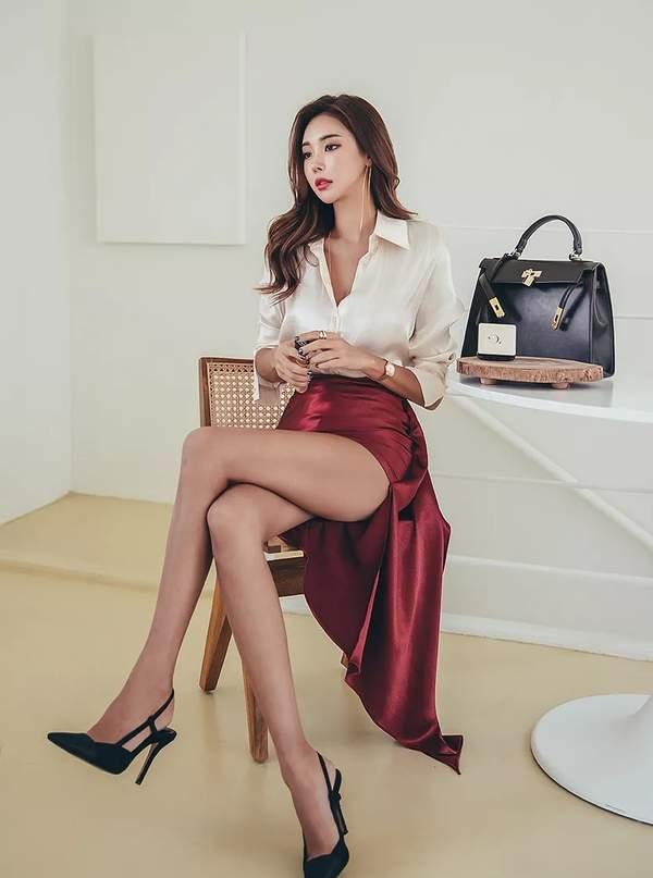韩国美女模特朴多贤近期美照 身穿紧身长裙风情万种