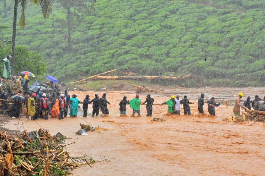 印度洪水已致147人死亡 数十万人离开家园避难|洪水