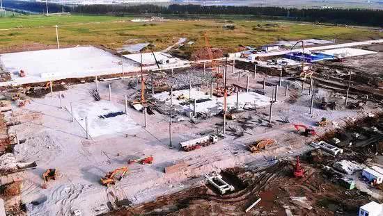 特斯拉上海工厂预计本月投产,二期的超级充电站已初步建成