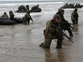 资料图:日本自卫队夺岛演习。