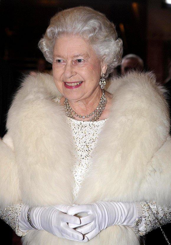 穿了67年皮草的英国女王 决定不再买新皮草