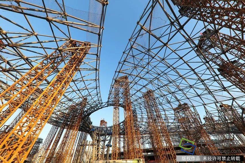 施工过程中,钢结构制作,拼装均采用bim技术进行虚拟预拼装,控制加工