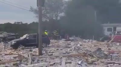 缅因州法明顿市丙烷爆炸确认消防员1死7伤。