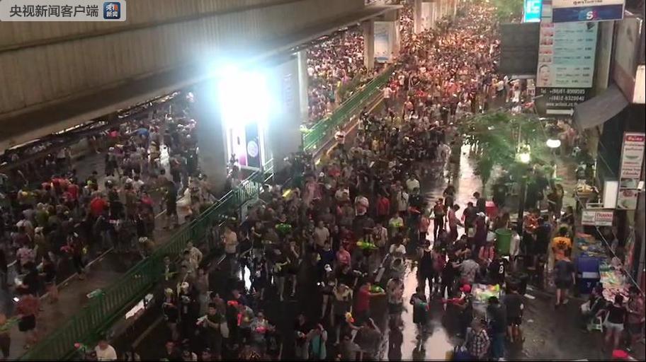 泰国新年泼水节7天 交通事故造成418人死亡