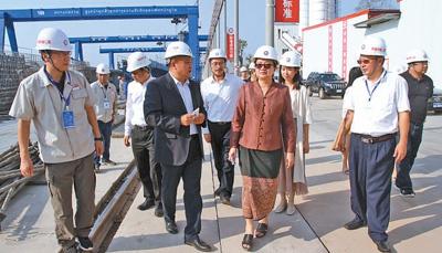 国际人士谈新中国发展:中国发展成就鼓舞发展中国家
