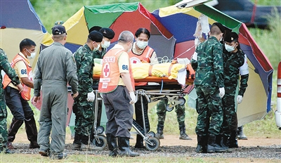 受困18天 泰足球队全部华为手机代理加盟成员获救