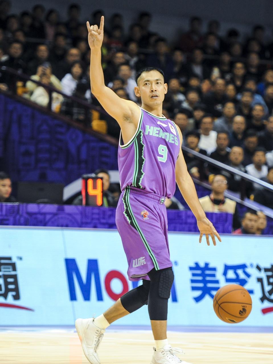 张庆鹏CBA生涯总得分超杰特 升至联赛历史第12位