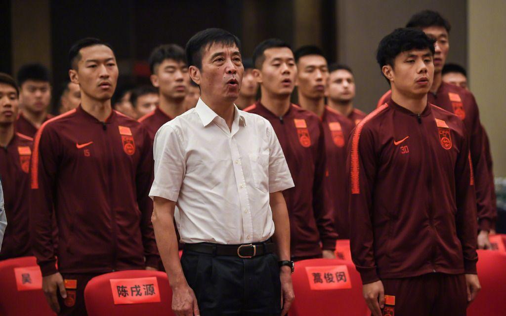 国足10月10日再战40强赛,足协主席陈戌源现场督战