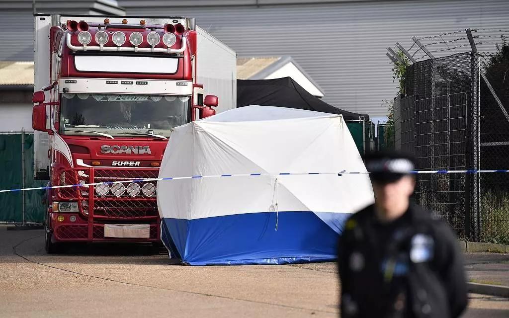 英国货车藏尸案持续更新,两国港口为何都未发现39人?