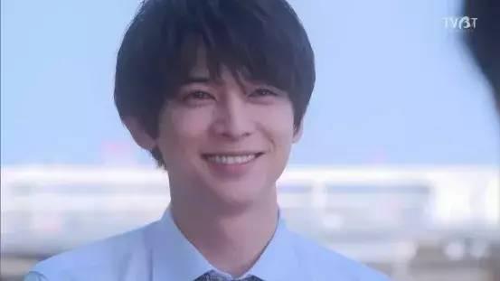 《橘子酱男孩》里是十项万能、心里敏感的校园王子松浦游。