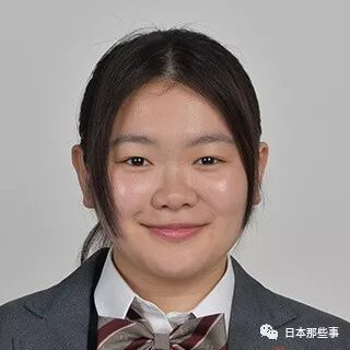 裡見海鬥(鈴木仁飾):女子力No.1的搶手男子! 行動和觀察力拔群的足球部ACE