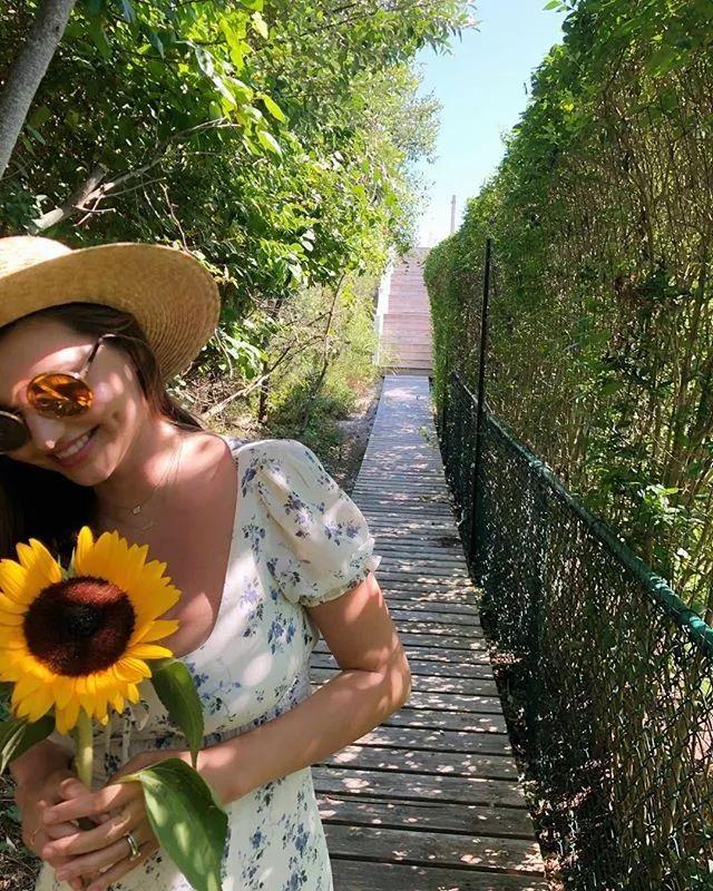 34岁离婚,米兰达可儿带娃再嫁90后亿万富豪:逆风翻盘的人生,太爽了!