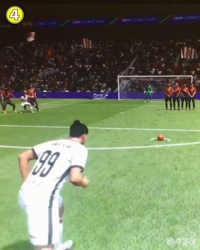 FIFA中伊布踢中范戴克关键部位