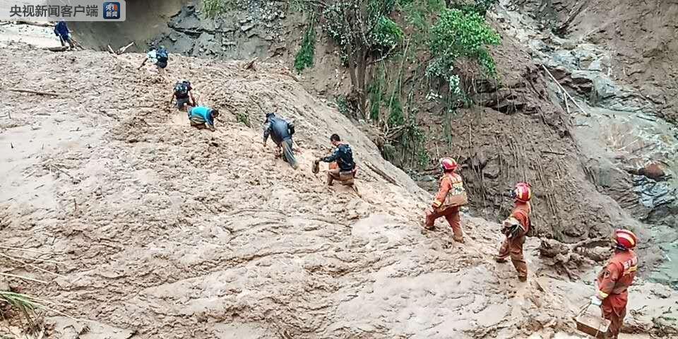 云南麻栗坡发生特大山洪泥石流灾害 失联15人仍未找到