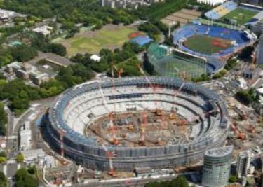 正在施工中的新国立竞技场(图来自日本共同社)