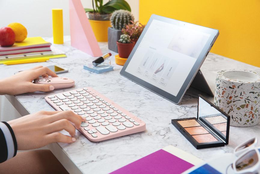 """一""""键""""钟情 天生CP!罗技LINE FRIENDS系列Pebble无线鼠标K380多设备蓝牙键盘甜蜜上市"""