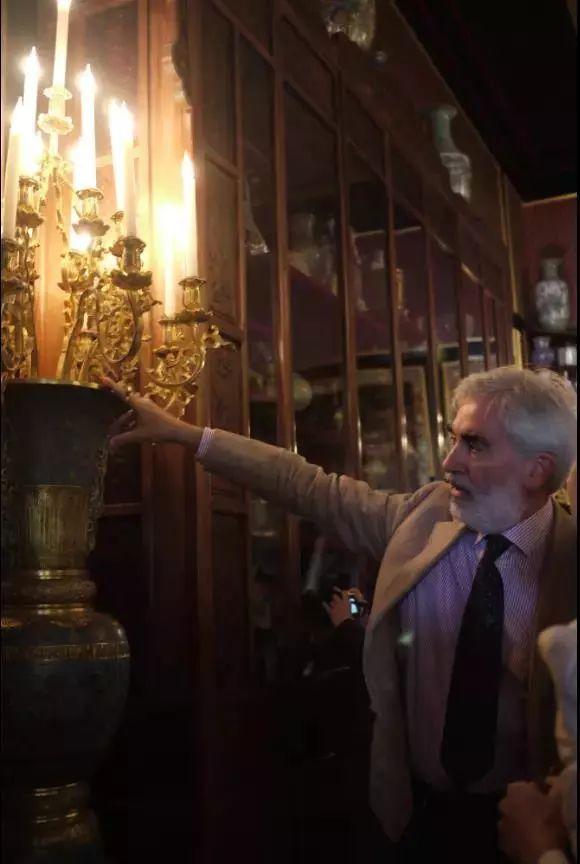 2015年3月1日,法国枫丹白露博物馆的中国馆被窃,