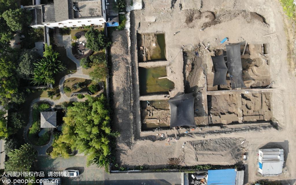 """航拍南宋皇城""""德寿宫""""遗址考古现场 讲述800年前历史往事"""