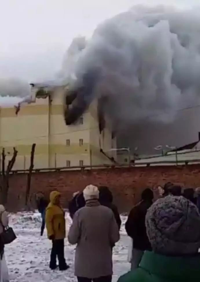 俄罗斯一购物中心火灾已致37人遇难 附商场火灾逃生秘籍图片 46605 691x974