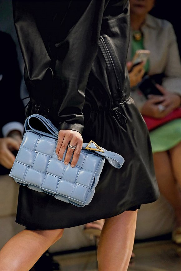 Bottega Veneta 2020早春系列 图片来源:purse blog