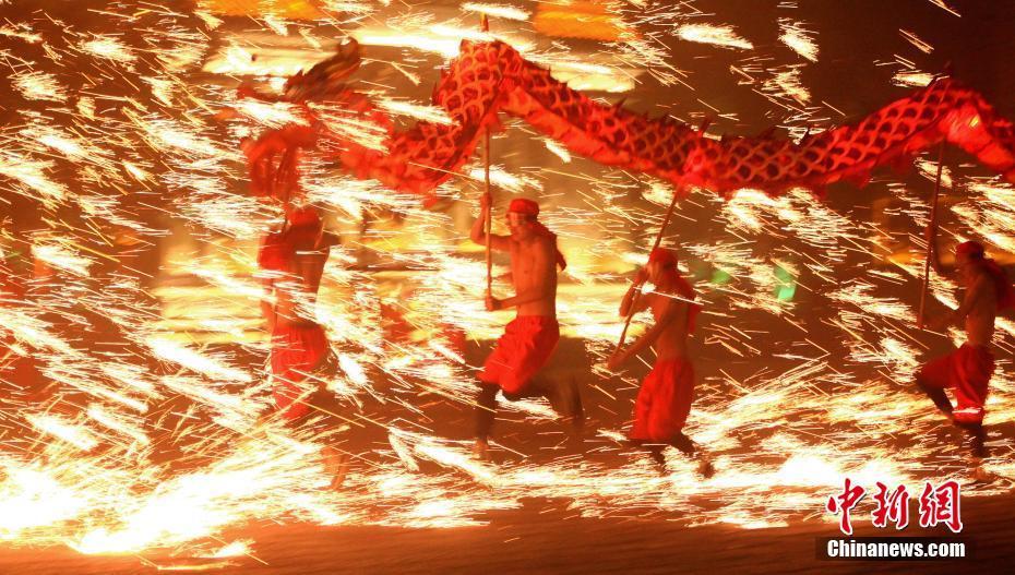 北京香山将迎满山红叶 直击首个观赏高峰