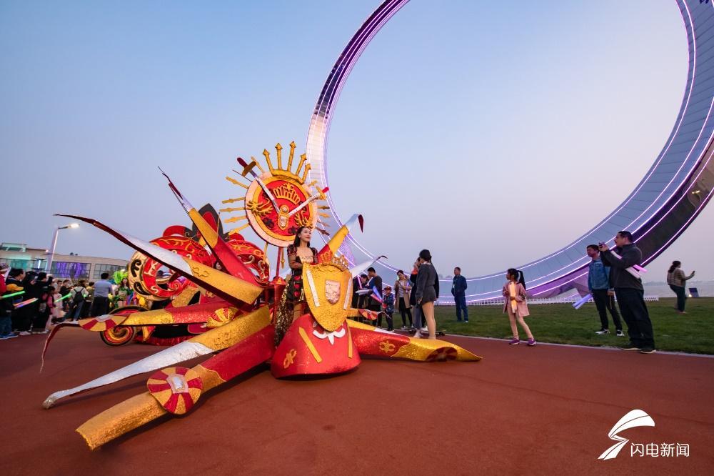 樱花湖畔放肆嗨!高清大图带你感受热气球文化艺术节现场满满余韵
