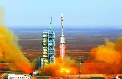 航天员女教头黄伟芬:曾将11名中国航天员送上太空水冷重机枪图片
