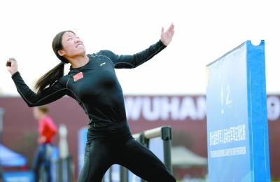 军运会张政追平世界纪录