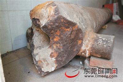 寮步村民捐出千斤清代铁炮