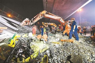 无锡高架桥事故疑因车辆超载 运输公司涉多起诉讼
