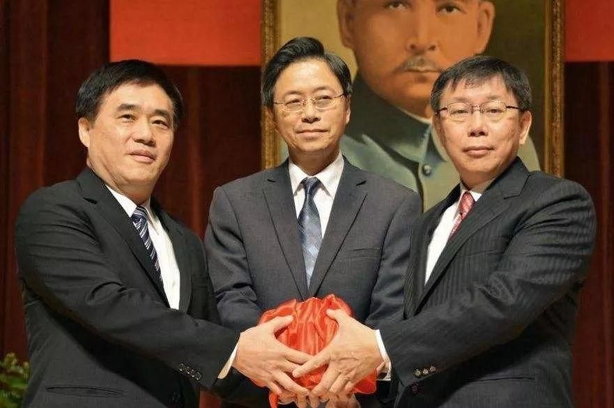 郝龙斌(左)、柯文哲(左)