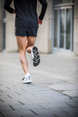 Joe Nimble携手米其林推出最新功能性跑鞋   美通社