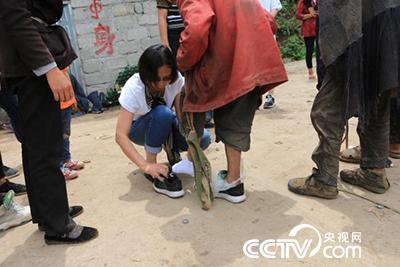 """""""中国好人""""周文君:从一个人到一群人,把爱种在大凉山"""