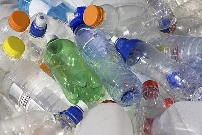 """63亿吨""""塑料垃圾""""危害如何破局?法国科学家周六为你拆招"""