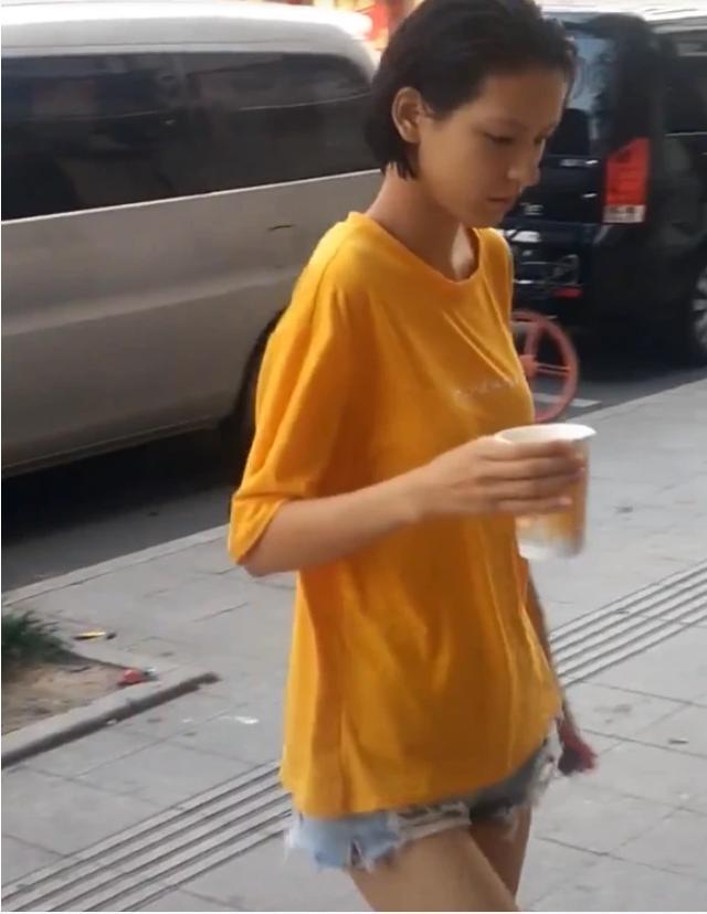 王思聪前女友张予曦素颜认不出,面黄肌瘦显苍老,现女友很娇嫩!
